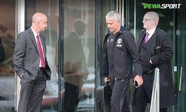 Jose Mourinho Sedang Tak Tenang Hidup Di Manchester