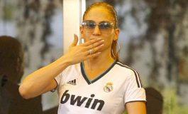 Shakira dan Jennifer Lopez Panaskan Laga El Clasico