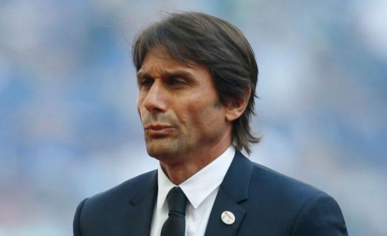 Masalah gaji akan buat Conte bertahan di Chelsea