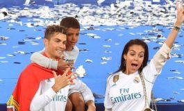 Cristiano Ronaldo Tersingkir dari Piala Dunia 2018, Sang Kekasih Malah Ketiban Rejeki Durian Runtuh