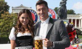 Istri Cantik Ajak Lewandowski Bersenang-senang di Oktoberfest