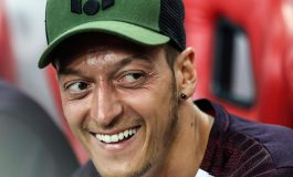 Pensiun dari Timnas Jerman, Mesut Ozil Kencan Bareng Miss Turki
