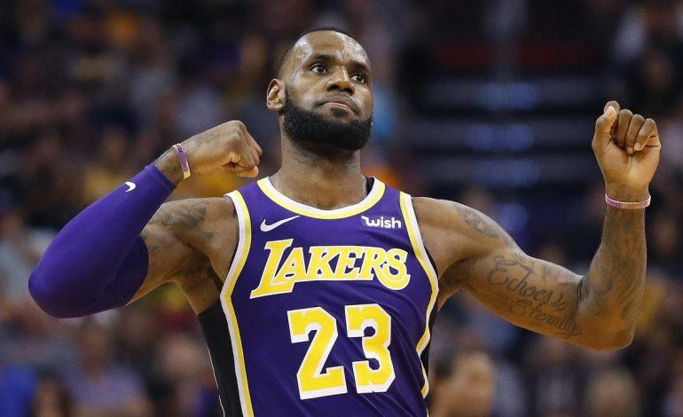 NBA: LeBron James Memburu Rekor Michael Jordan