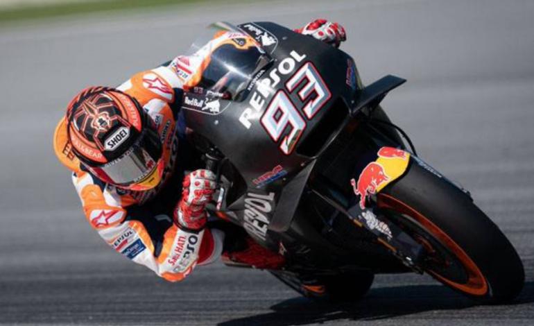 Marquez Girang Geber Motor Honda di Sepang