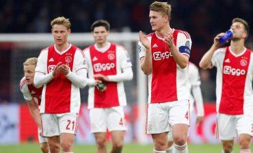 Pabrik Ajax Amsterdam Berproduksi Lagi
