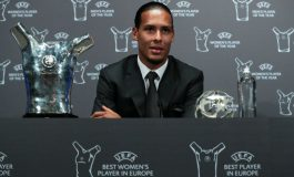 Van Dijk Jadi Pemain Terbaik UEFA, Klopp: Ini Jarang Terjadi!