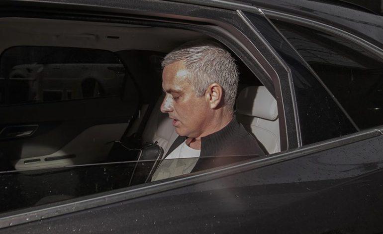 Arsenal Tak Pernah Adakan Pertemuan dengan Mourinho