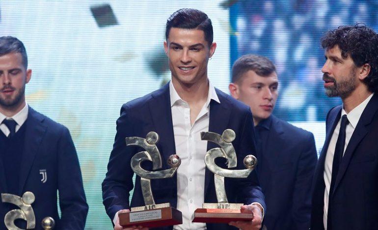 Gagal di Ballon d'Or, Cristiano Ronaldo Terima Penghargaan Pemain Terbaik Serie A di Milan