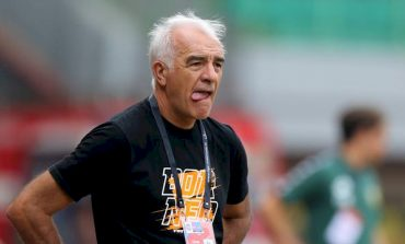 Belum Diperkenalkan kepada Publik, Tim Pelatih Baru Arema FC Sudah Aktif Bekerja