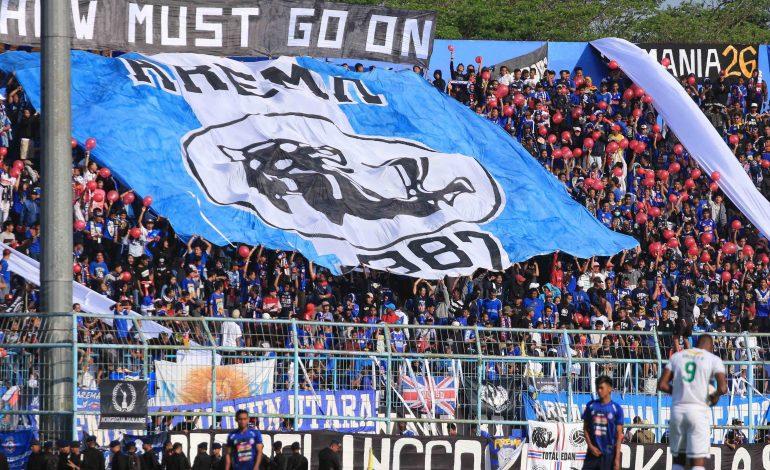 Wabah Corona Terdeteksi di Indonesia, Duel Arema FC vs Persib Tetap Digelar dengan Suporter