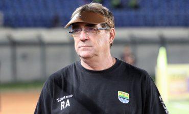Hadapi Arema FC, Robert Ingin Persiapan Persib Berjalan Mulus