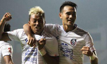Arema FC Ubah Komposisi Tim demi Menekuk Persib