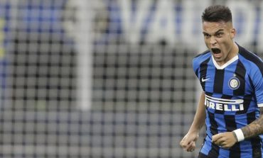 Operation Lautaro Martinez: Barcelona Tawarkan Samuel Umtiti