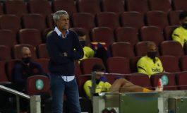 Pemain Barcelona Semaunya Sendiri, Pelatih Hanya Pajangan di Tepi Lapangan?