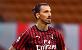 Zlatan Ibrahimovic Beri Sinyal Bakal Bertahan di AC Milan
