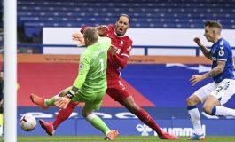 Ajaib! Cederai Van Dijk, Pickford tak Bakal Kena Hukuman dari FA