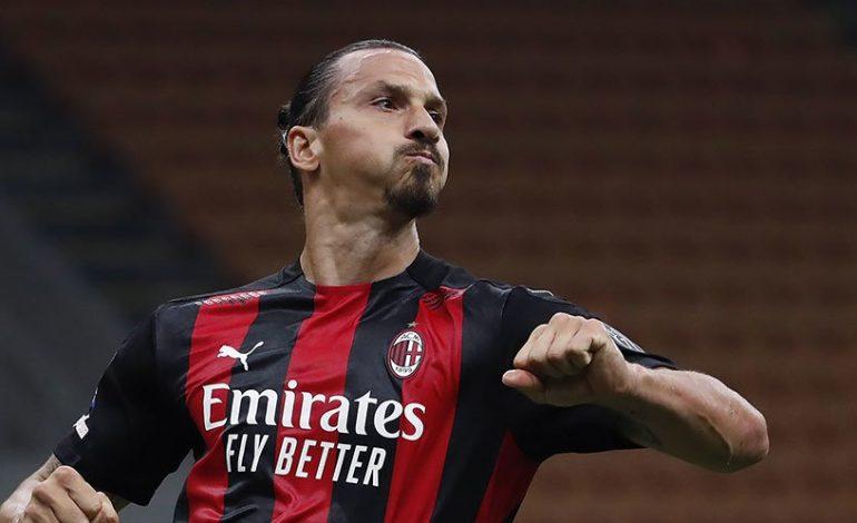 Derby Milan, Vieri: Ibrahimovic Akan Main Dengan Sebatang Rokok di Mulutnya