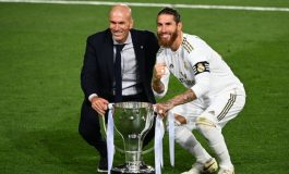 Zinedine Zidane Ingin Sergio Ramos Bertahan di Real Madrid