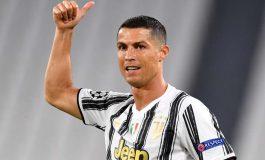 Ronaldo Jadi Pencetak Gol Terbanyak di Dunia