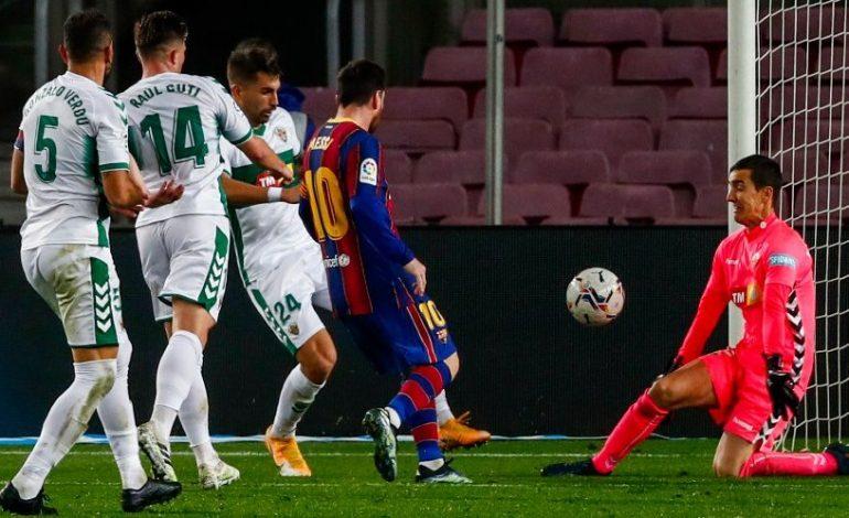 Jerseynya Diminta Lionel Messi, Kiper Elche Kaget Setengah Mati