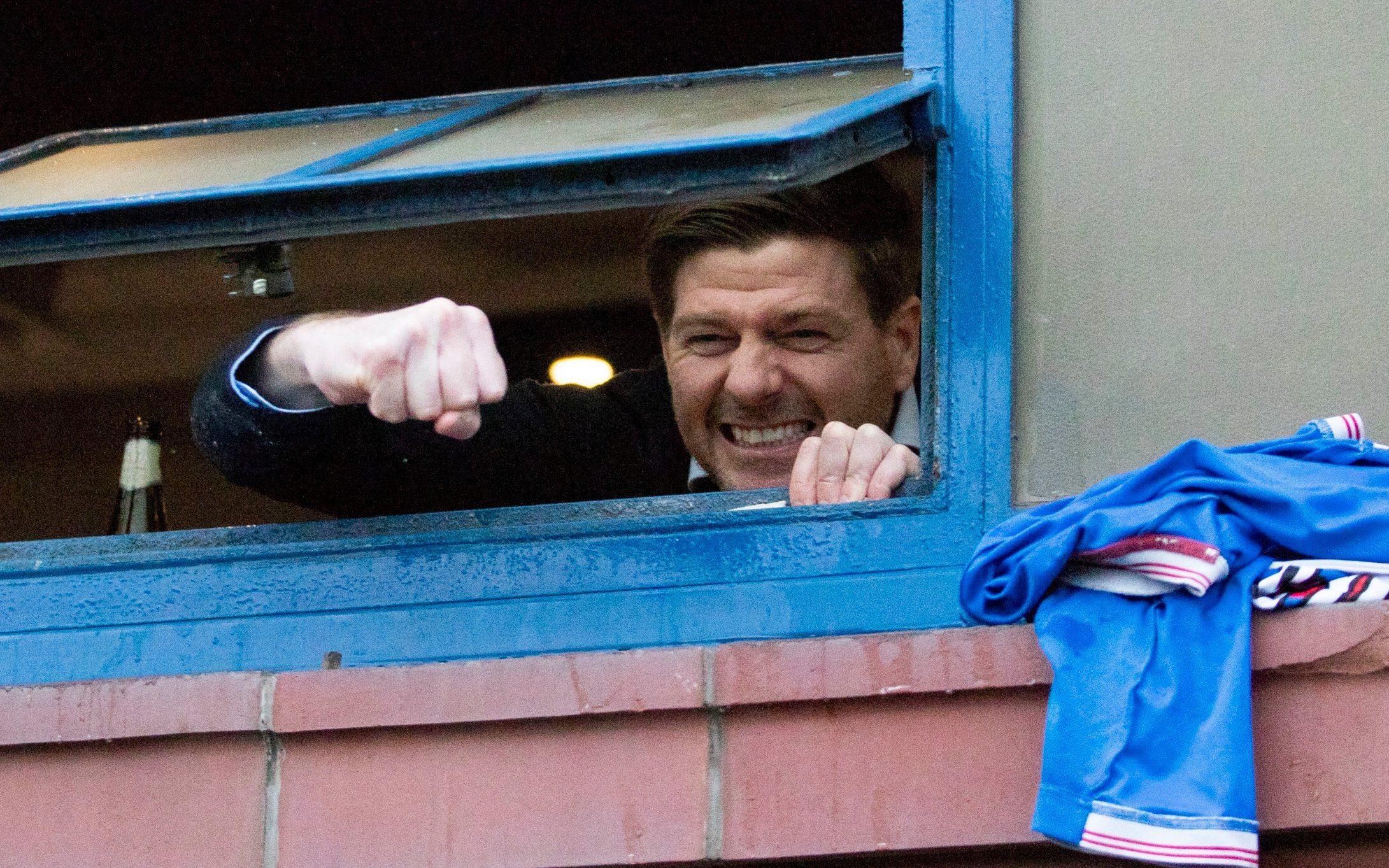 Gerrard Bawa Rangers Akhiri Puasa Gelar Liga Skotlandia