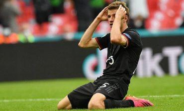 Sepakan Melenceng dan Penyesalan Thomas Muller