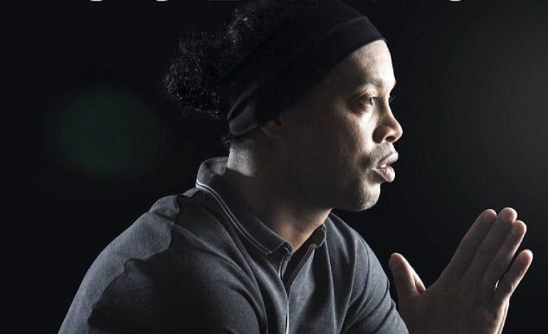 Ronaldinho Banting Setir Jadi Musisi, Rilis Lagu Berjudul 'Sozinho'!