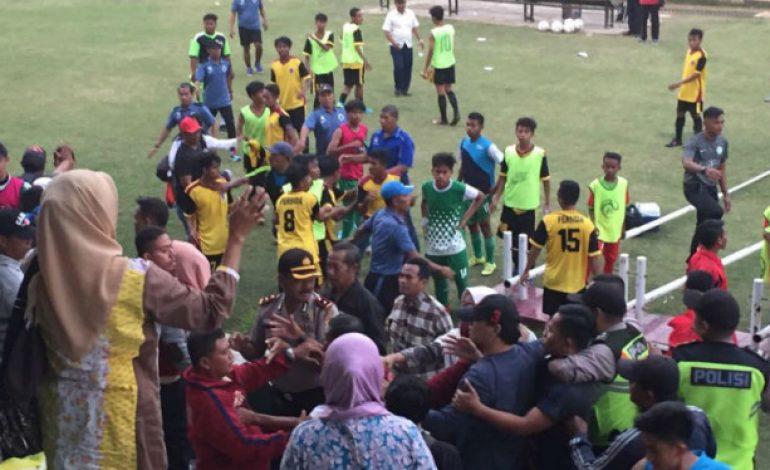 Power of Emak-emak, Bikin Rusuh Pertandingan Sepakbola Junior
