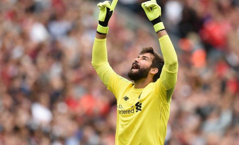 Kebahagiaan Kiper Liverpool Dapat Kejutan dari Sang Istri