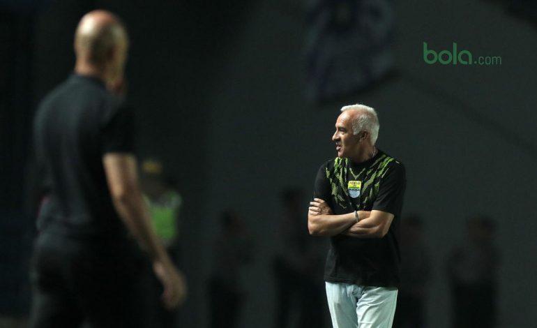 Liga 1 Tersisa 4 Laga, Gomez Minta Pemain Persib Rileks