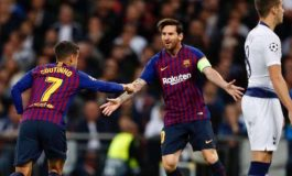 Mengejutkan, Kontrak Pertama Messi Ditulis di Atas Kain Serbet