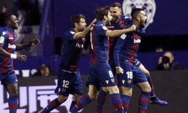 Barcelona Telan Kekalahan Perdana di Tahun Ini