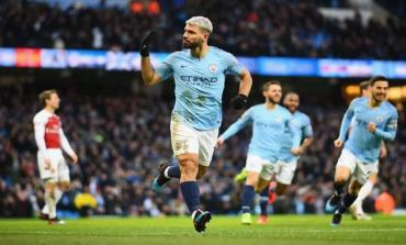 Hat-trick Kontroversial Aguero Benamkan Arsenal di Kandang City