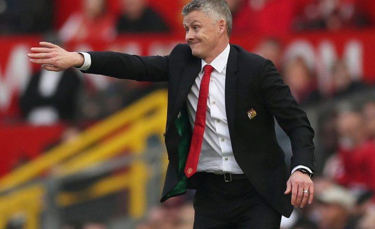 Manchester United Terpuruk, Solskjaer Seret Nama Mourinho