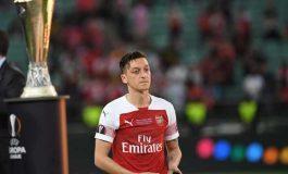 Mesut Ozil Masuk Daftar Jual Arsenal