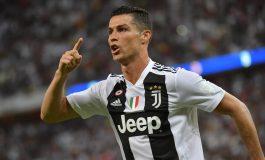 Cristiano Ronaldo Menangis Saat Lihat Video Mendiang Sang Ayah