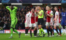 Kemenangan Ajax Dicuri Wasit