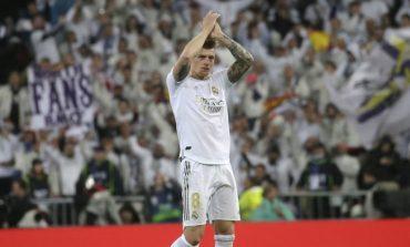 Toni Kroos dan Luka Modric, Ketika Zinedine Zidane Harus Pilih Satu dari Dua Gelandang Terbaik