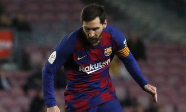 Aguero Yakin Messi Akan Bertahan di Barcelona