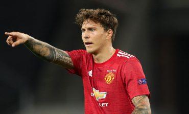 Manchester United Menang, Dua Beknya Malah Cedera