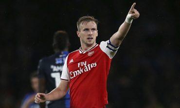 Arsenal Perpanjang Kontrak Rob Holding?