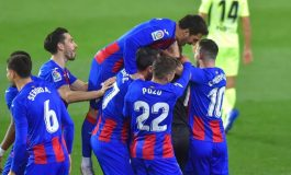 Eibar vs Atletico Madrid: Penalti Menangkan Luis Suarez dkk 2-1