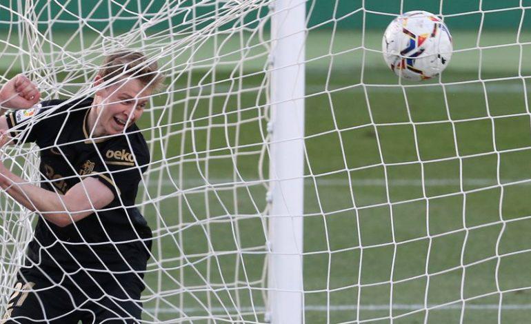 Frenkie de Jong Berharap Ronald Koeman Bakal Bertahan di Barcelona