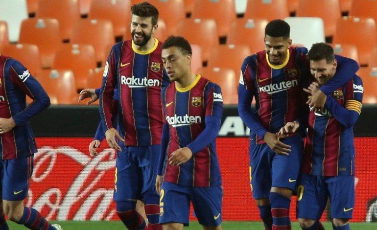 Terjerat Utang, Barcelona Siap Obral Sampai 18 Pemainnya